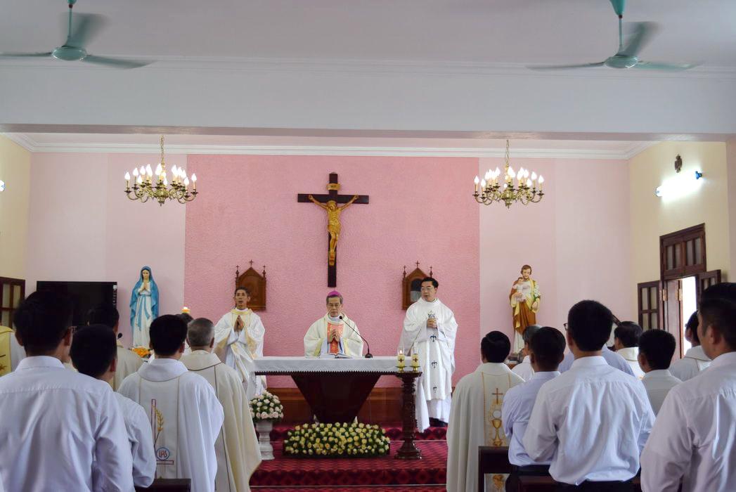 Thánh lễ tạ ơn: Lớp Tu Đức Đcv Thánh Giuse nhận tu phục và bế giảng năm học