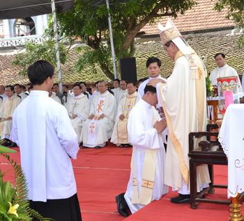 Thánh lễ Truyền chức Linh mục, 09-5-2014