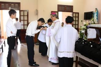 Lớp Tu đức tĩnh tâm năm và thánh lễ trao tu phục