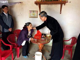 Phóng sự ảnh: Xuân Mậu Tuất ấm tình gia đình và liên đới