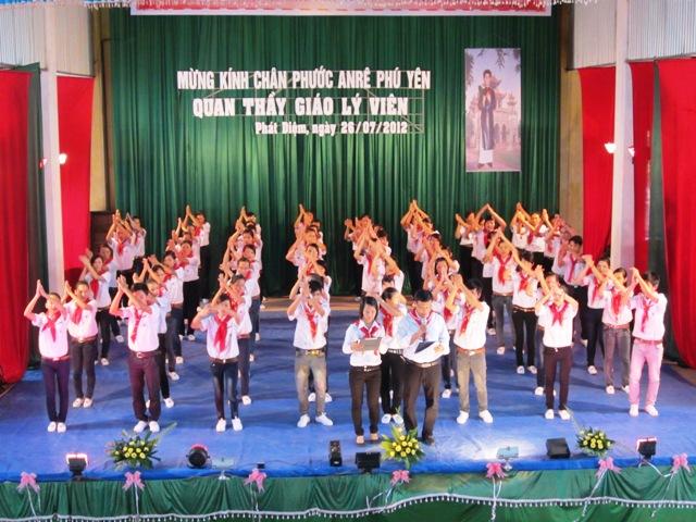 Giáo lý viên giáo phận Phát Diệm mừng lễ Bổn Mạng 26-07-2012