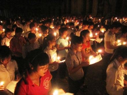 Giới trẻ xứ Bạch Liên, Quảng Nạp, Hải Nạp cầu nguyện Taizé tháng 9