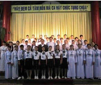 Thi hát thánh ca tại giáo hạt Bạch Liên