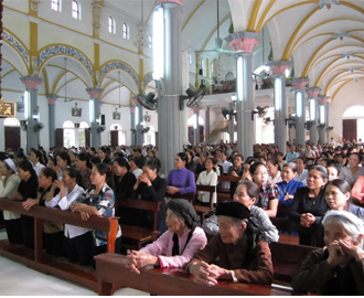 Giáo xứ Lãng Vân tĩnh tâm Mùa Chay 2012