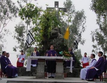 Lễ cầu cho các linh hồn tại đất thánh Phát Diệm
