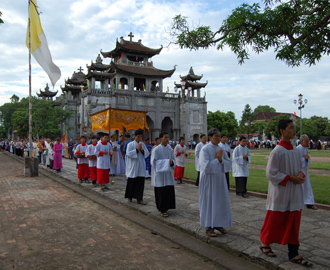 Xứ Phát Diệm chầu Thánh Thể _ 2012
