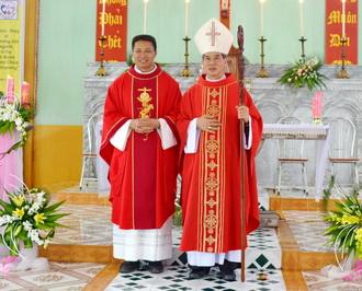 Giáo xứ Phương Thượng vui mừng đón cha xứ