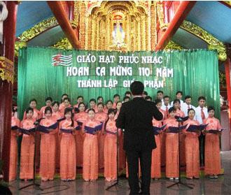 Thi hát thánh ca tại giáo hạt Phúc Nhạc