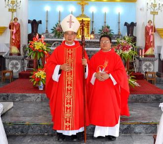 Giáo xứ Phú Hậu hân hoan đón cha xứ