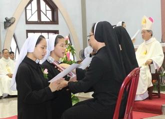 Hội Dòng Mến Thánh Giá Phát Diệm: Thánh Lễ Tuyên Khấn Lần Đầu