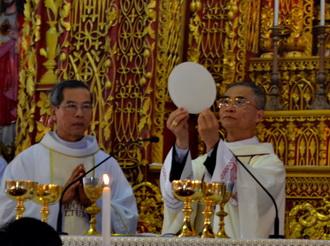 Đức Cha Đaminh Nguyễn Văn Mạnh dâng lễ tạ ơn tại Phúc Nhạc