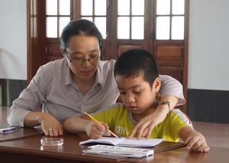 Cái Nhìn (Đôi dòng cảm nhận và chia sẻ của một cô giáo dạy trẻ đặc biệt)
