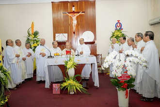 Lễ mừng 70 năm LM và 94 tuổi của cha giáo Louis Trần Phúc Vỵ